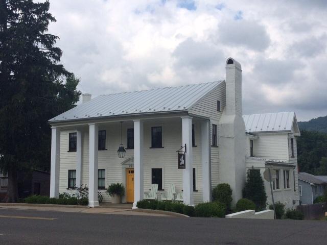 The White Moose Inn in Washington, VA